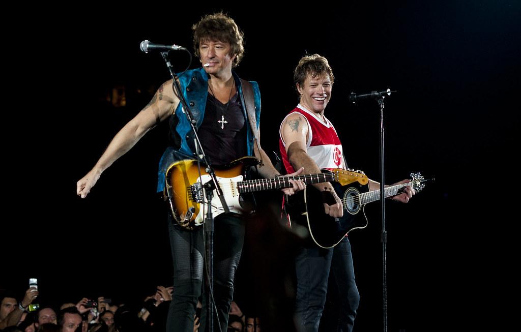 My Log Home 3d Live Wallpaper Bon Jovi Amp Richie Sambora Performing Live In Istanbul Flickr