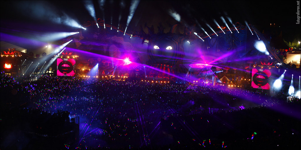 Wallpaper Hd Wallpaper Tomorrowland Laser Amp Lightshow Tomorrowland 2011