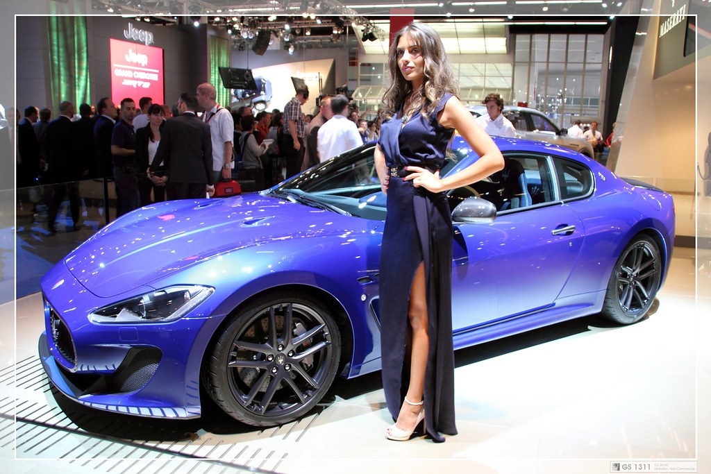 Beauty Girl In The World Wallpaper 2011 Maserati Granturismo Mc Stradale 01 Model