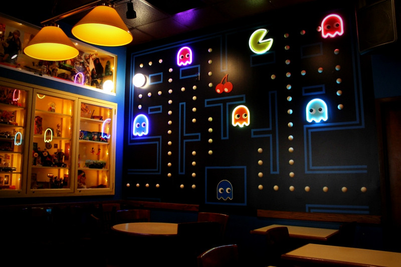3d Wallpaper Decorating Ideas The Pac Man Room At Blueberry Hill In St Louis U Turn