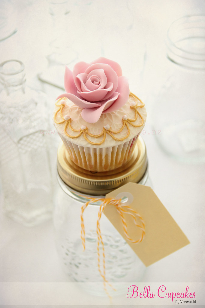 Pink Rose 3d Wallpaper Vintage Cupcake I Made These Cupcakes For A Lovely Lady