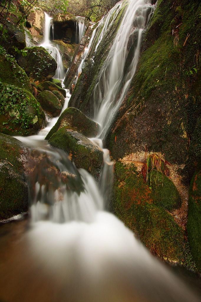 Desktop Wallpaper Windows 7 3d Mucha Agua A Lot Of Water Localizada En El Monte Aloia