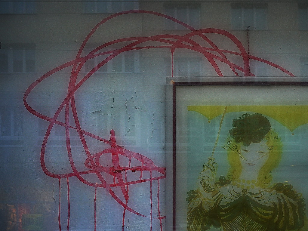 Spiegel-shop Painting In The Window Of The Closed Shop Glas Fenster S Flickr