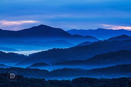 Free Early Fall Wallpaper Early Morning Sunrise In The Blue Ridge Mountains Of North