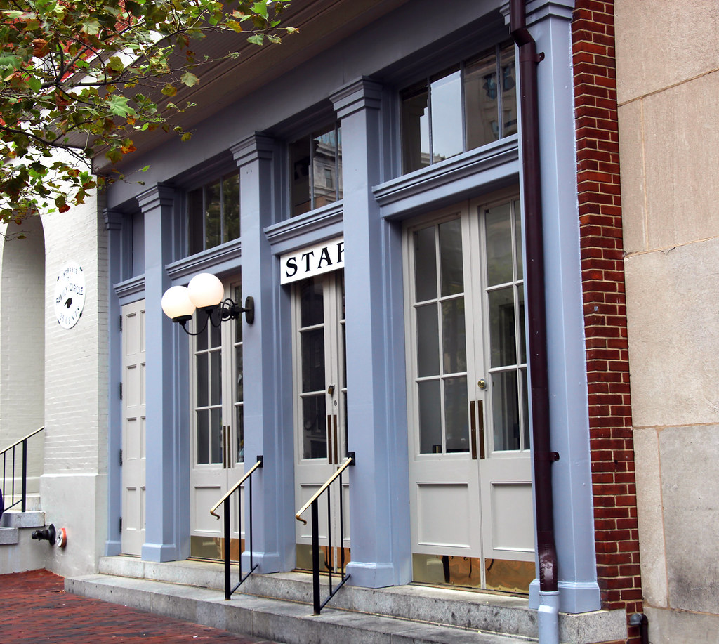 Three Star Hotel In Star Saloon - Fords Theatre - Washington Dc - 2012-07-13