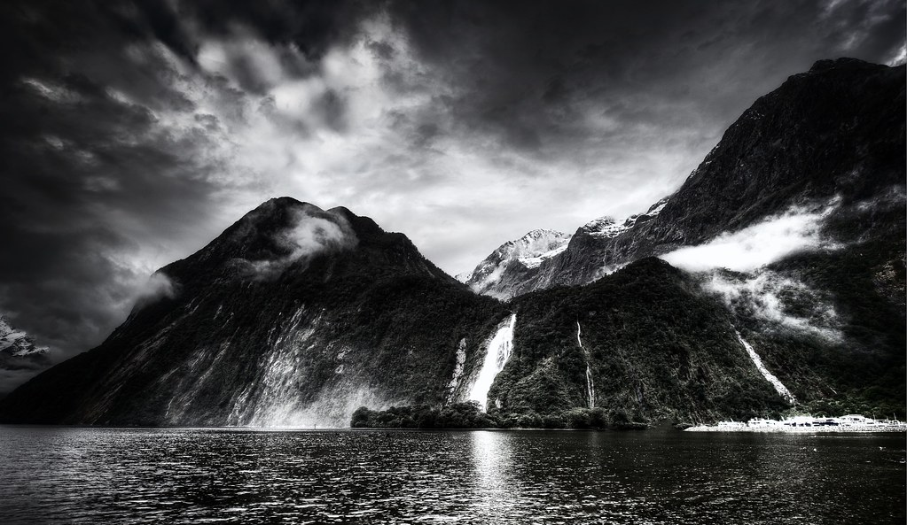 3d Wallpaper For Galaxy Y Milford Sound Waterfall In Black And White Why Not Take