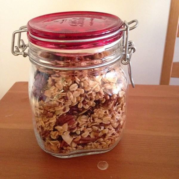 Cherry Pecan Granola | pamplemoussi