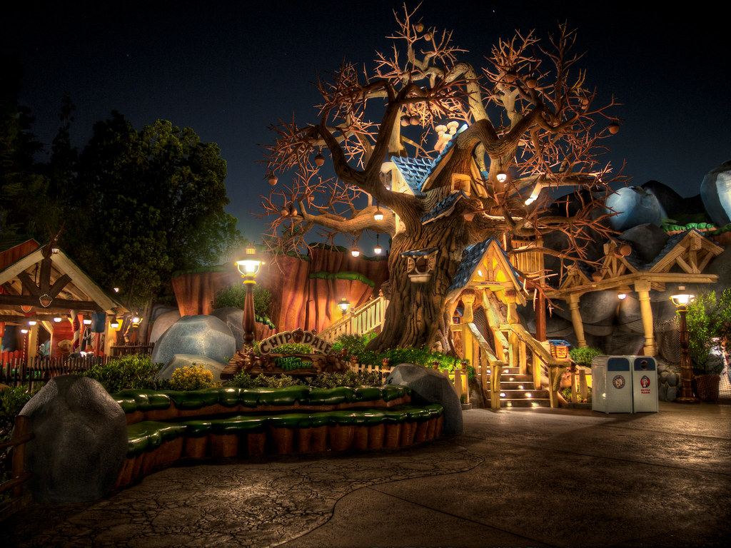Fall Cabin The Woods Wallpaper Chip N Dale Treehouse Toontown Disneyland I Just