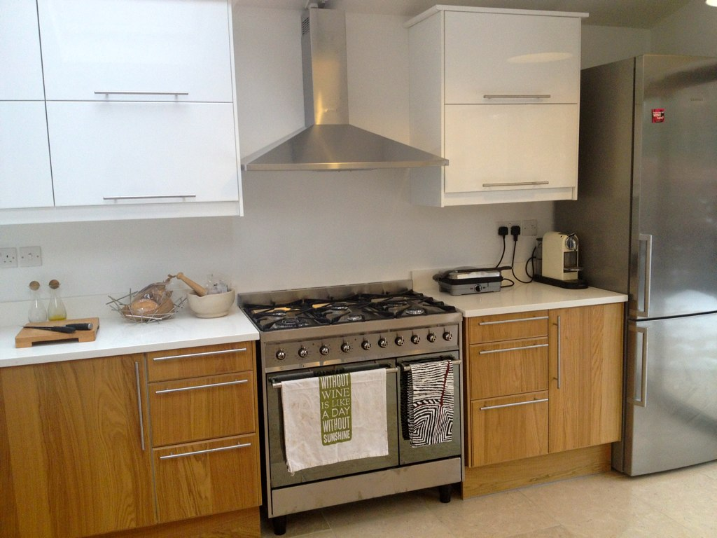 Ikea Hyttan Küche Cooker And Kitchen Units Flooring Tumbled Limestone From