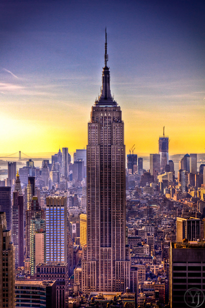 Wallpaper Hd Portrait Orientation A Sunset View Of The Empire State Building In New York Cit