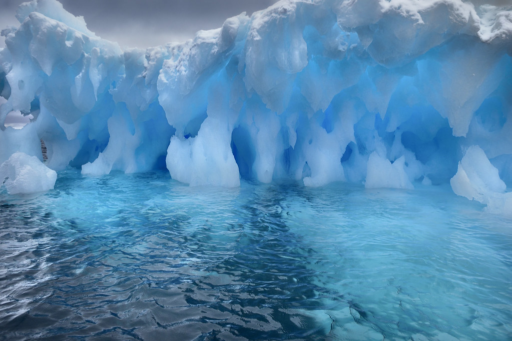 White Wave 3d Wallpaper Iceberg Eroded By Waves Antarctica At Booth Island In
