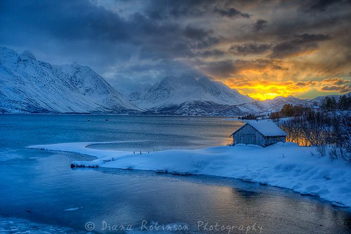 A Wallpaper 3d Arctic Sunrise Sjursnes On Ullsfjord Near Tromso Norway