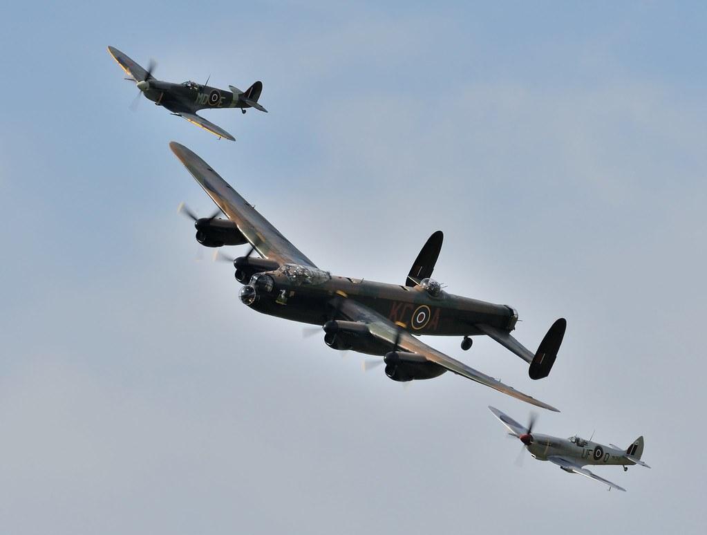 Hd Photos 3d Wallpaper The Battle Of Britain Memorial Flight Goodwood Revival