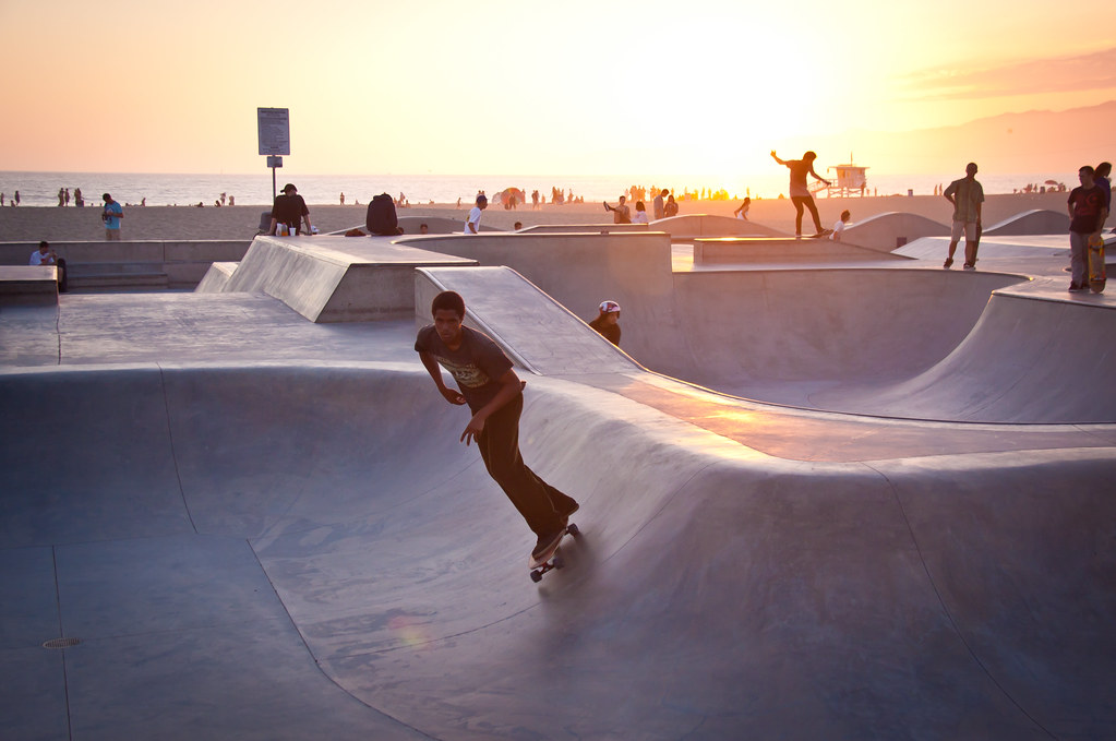 Gold 3d Hd Wallpapers Skaters At Sunset At Venice Beach Skate Park Los Angeles