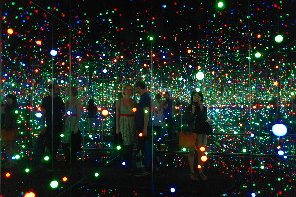 3d Pc Wallpaper Com Quot Gleaming Lights Of The Souls Quot By Yayoi Kusama For This