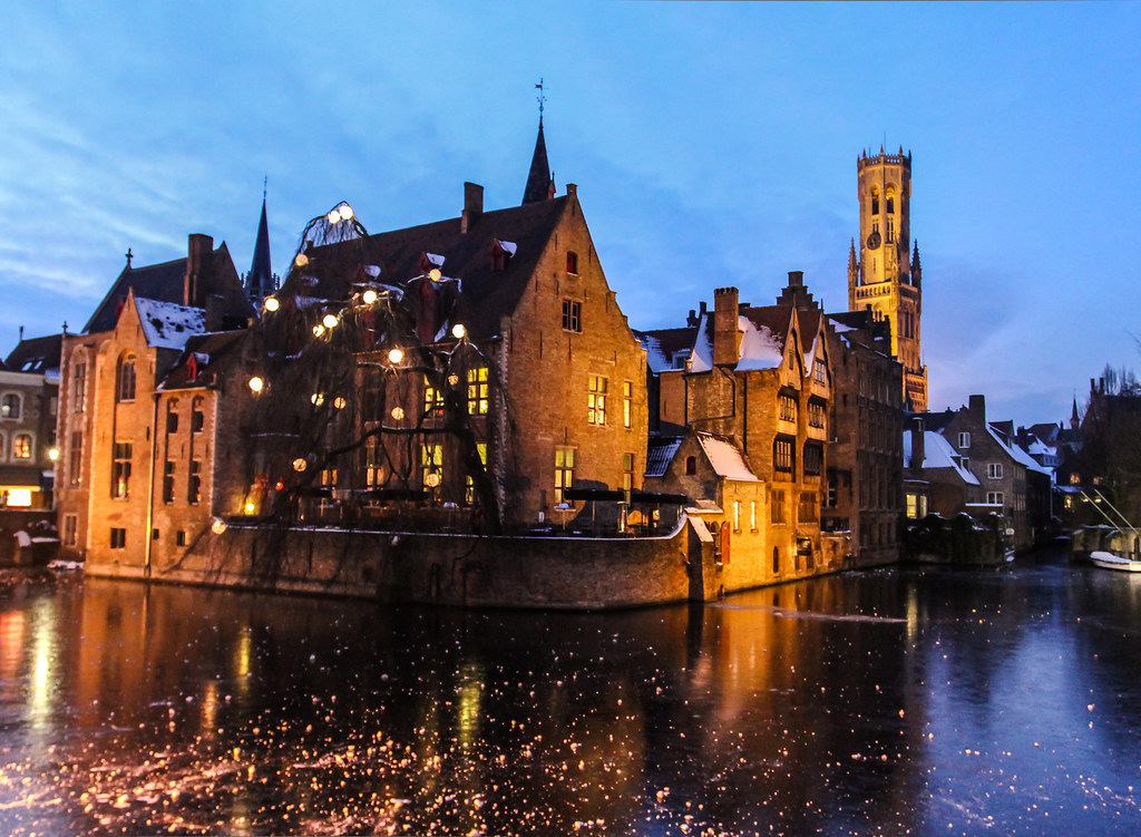 3d War Wallpaper Bruges At Nightfall With The Famous Belfry In The Backgrou