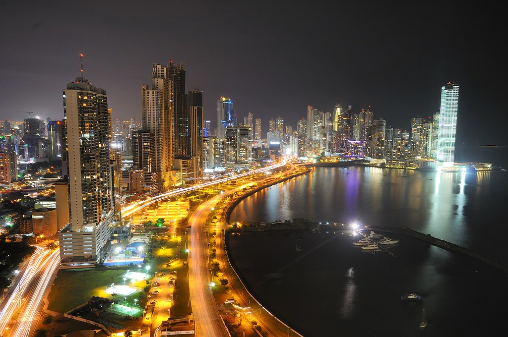 R Letter 3d Wallpaper Panama City At Night Skyline From Ave Balboa Panama