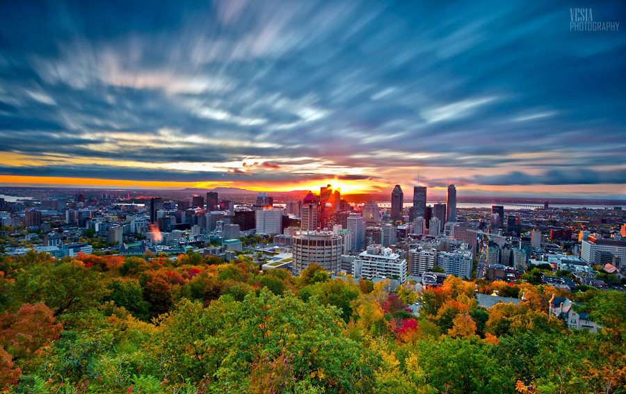 Beautiful Fall Wallpapers Montreal Autumn Sunrise Autumn Sunrise Over The City Of
