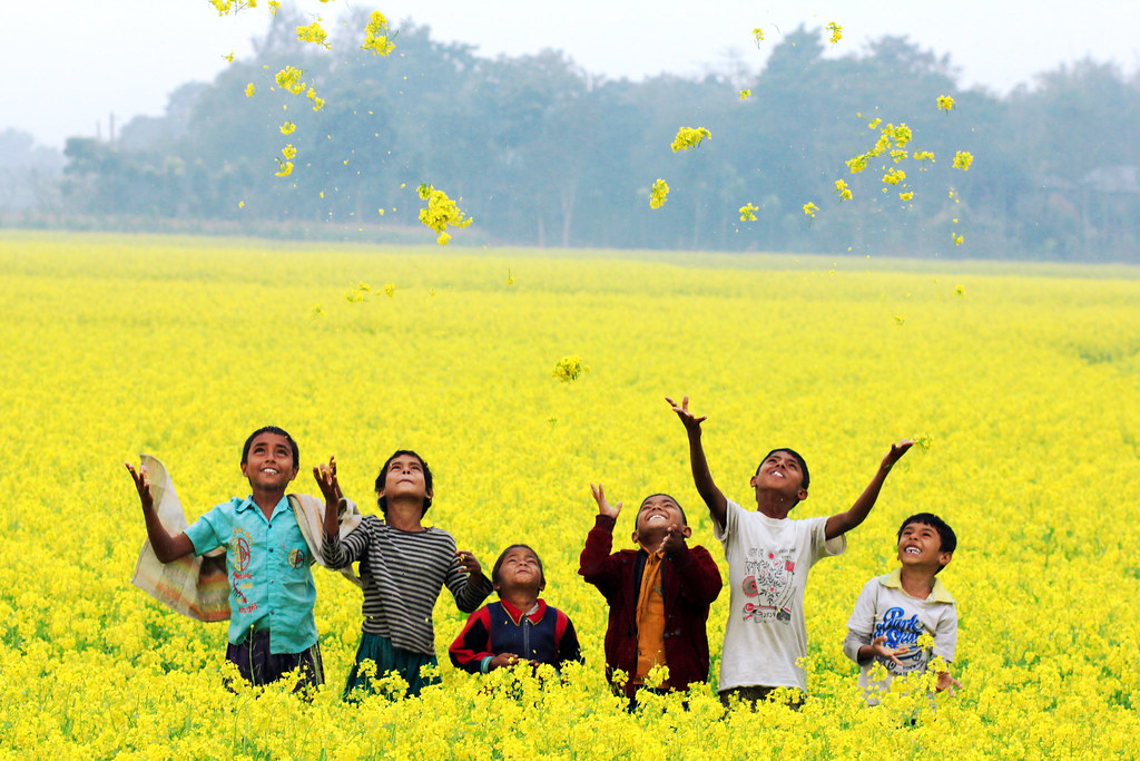 Poor Child Wallpaper Hd Nature S Rejoice Gheor Manikgonj Bangladesh