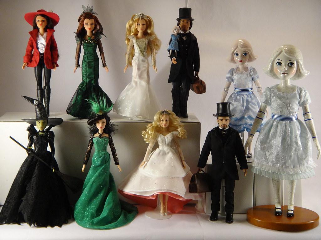 Stores That Have 3d Wallpaper Oz Dolls Deboxed Disney Store Vs Tollytots Complete Co