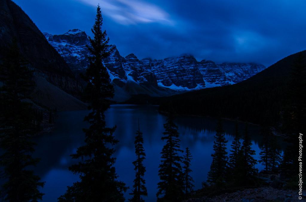 Snow Falling At Night Wallpaper Moraine Lake At Night Taken At 6 11a At Moraine Lake In