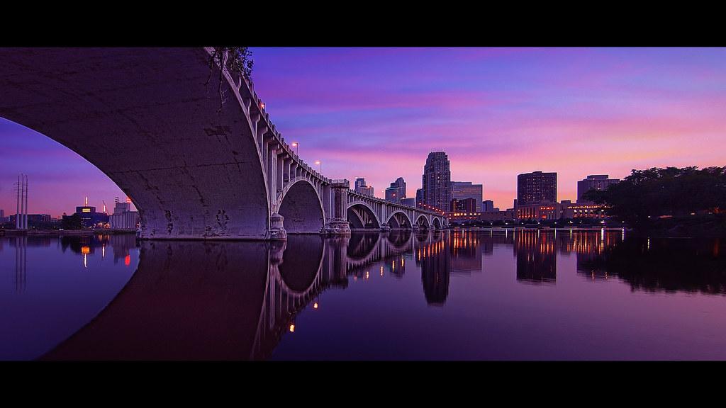 Reverse Falls Wallpaper Minneapolis Bridge A Panoramic View Of The 3rd Avenue