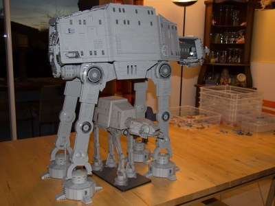 Pete's UCS AT-AT and the Wizard of the Coast SW Minature | Flickr