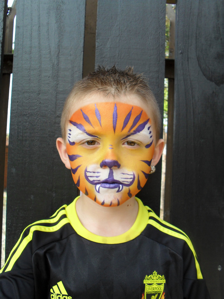 Kinderschminken Tiger Tiger Purple Stripes Face Painting Some Faces I Have Paint Flickr