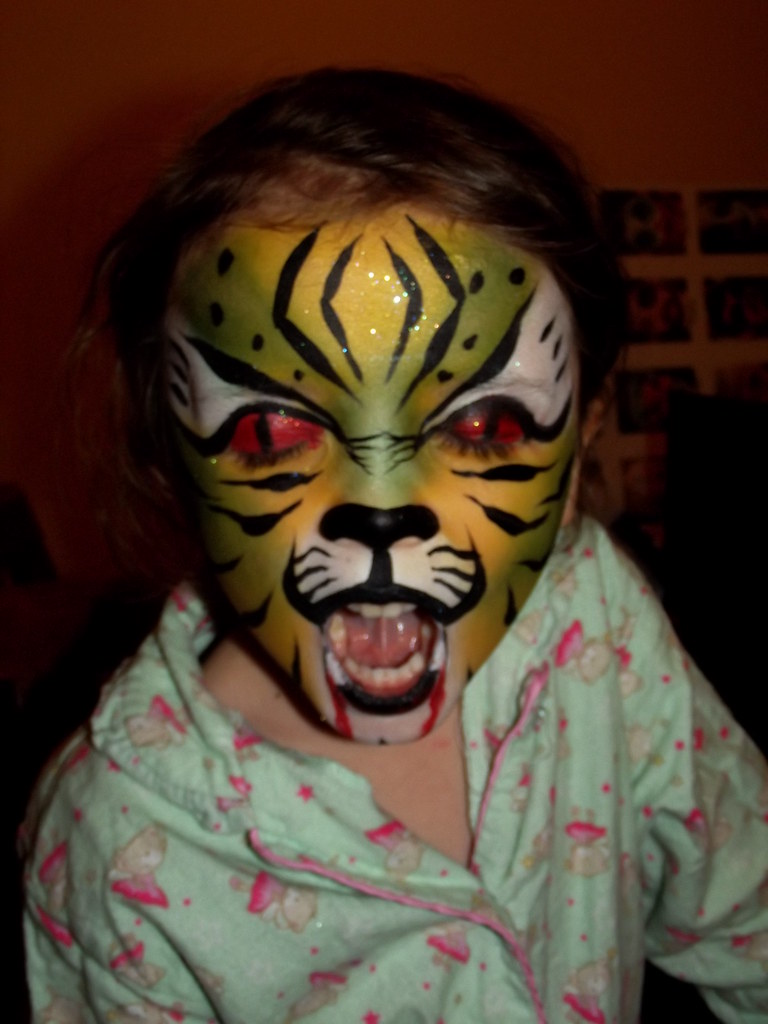Kinderschminken Tiger Scary Green Tiger Face Painting Some Faces I Have Painted Flickr
