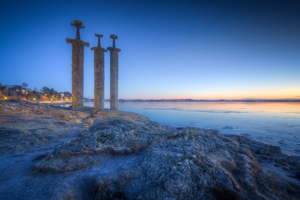 Sun Wallpaper Hd Sverd I Fjell At Dusk As I M Trying To Figure Out Which