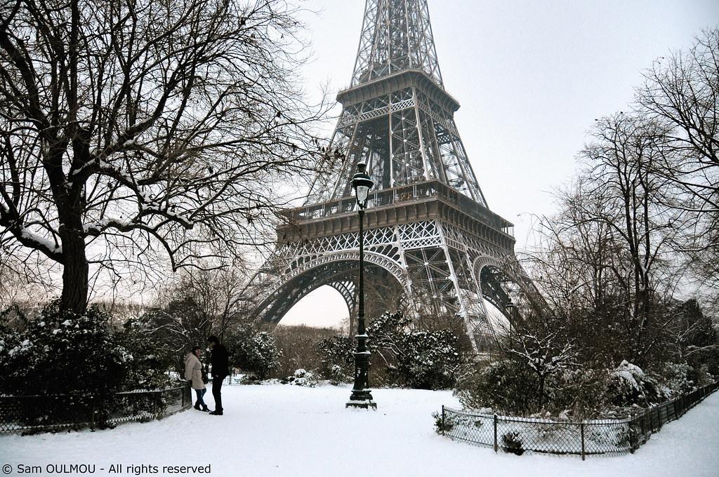 Free 3d Snow Falling Wallpaper Snow In Paris Sam Oulmou Flickr