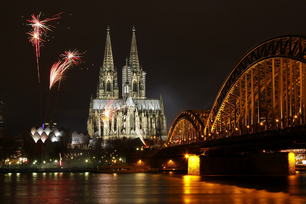 Happy New Year 2013 3d Wallpaper New Year S Eve In Cologne Germany The Cologne Cathedral