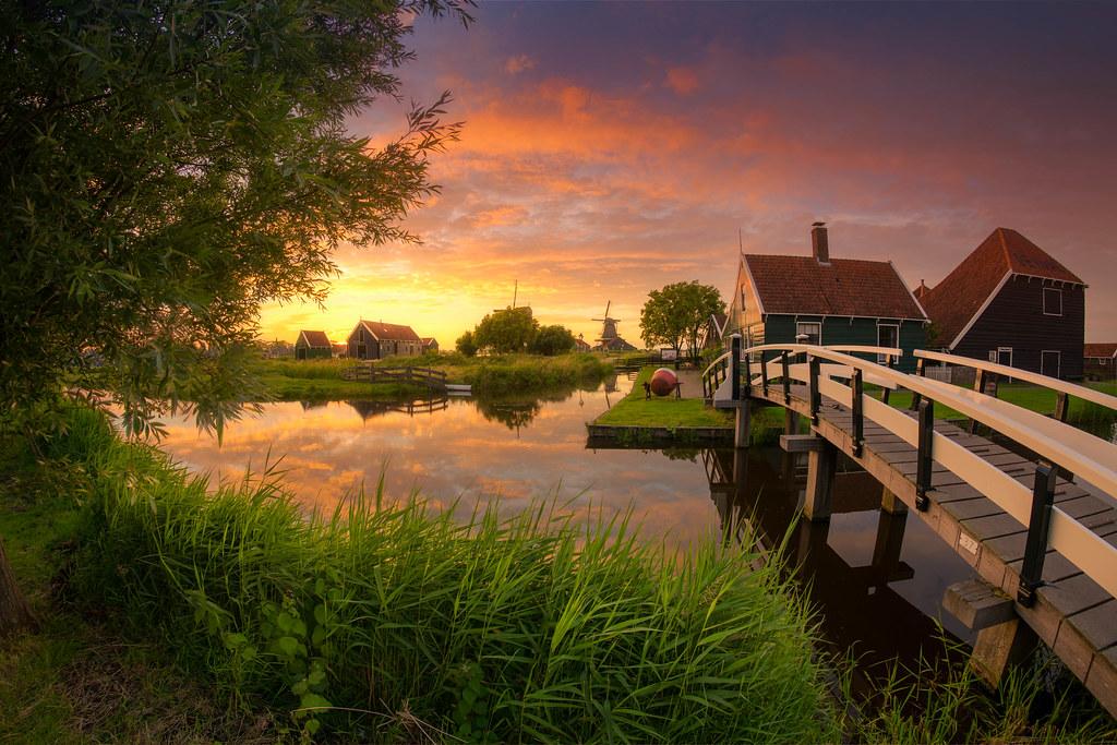 Wallpaper Minecraft 3d Green Lands A Beautiful Sunset In The Zaanse Schans