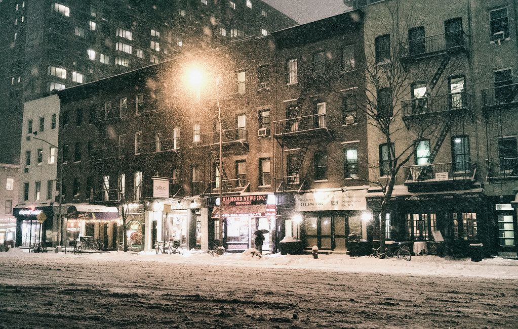 Stores That Have 3d Wallpaper New York City Snowy Night In Midtown May Your