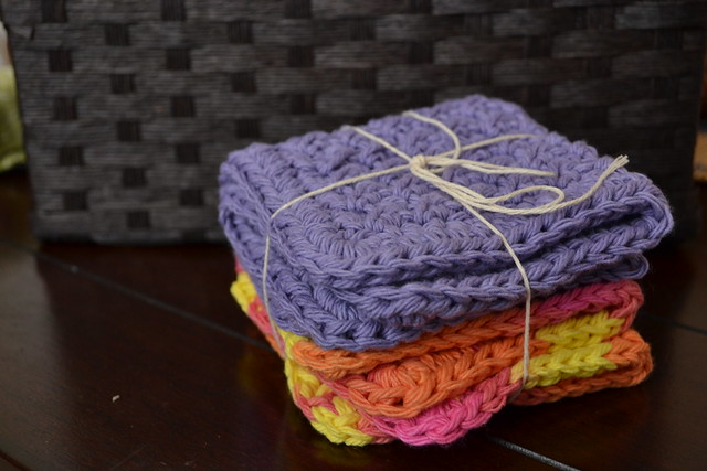 Crunchy Stitch dishcloths (bridal shower gift)