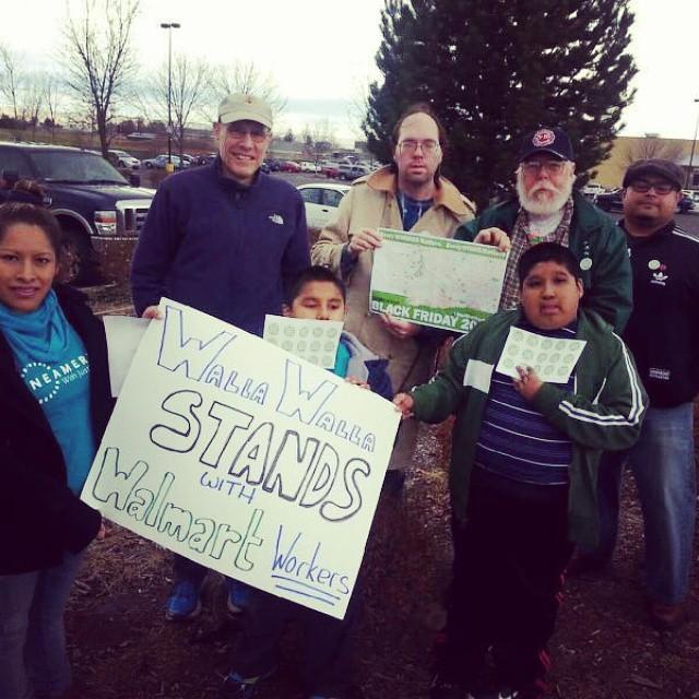 Walla Walla, WA stands with Walmart Workers #Walmartstrike\u2026 Flickr