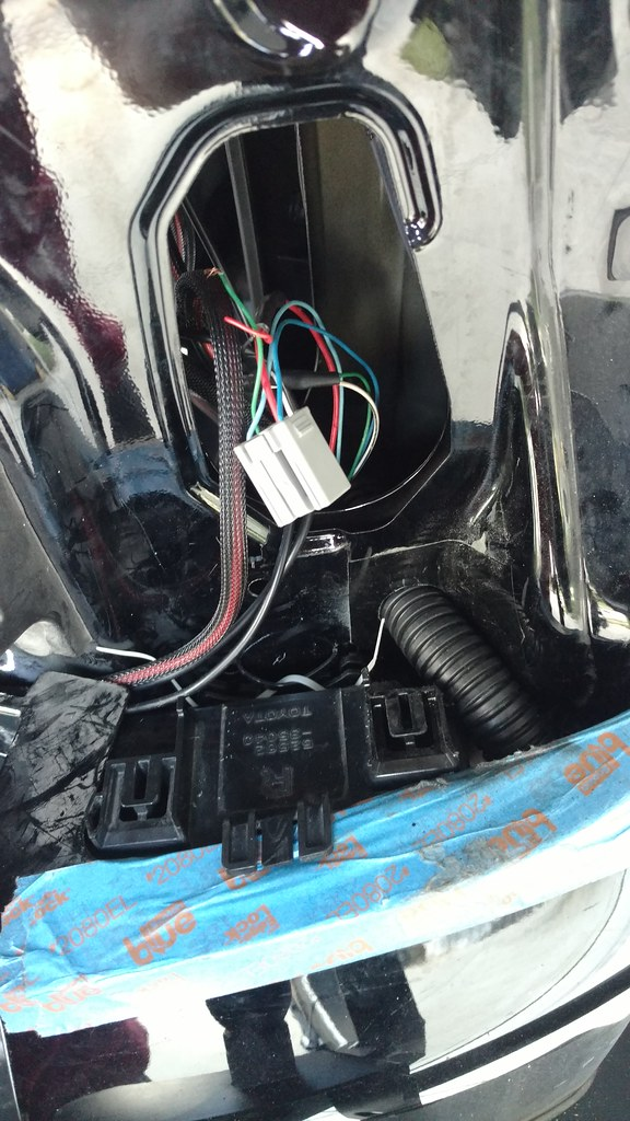 URGENT Tail light wiring harness - Which wire under power for