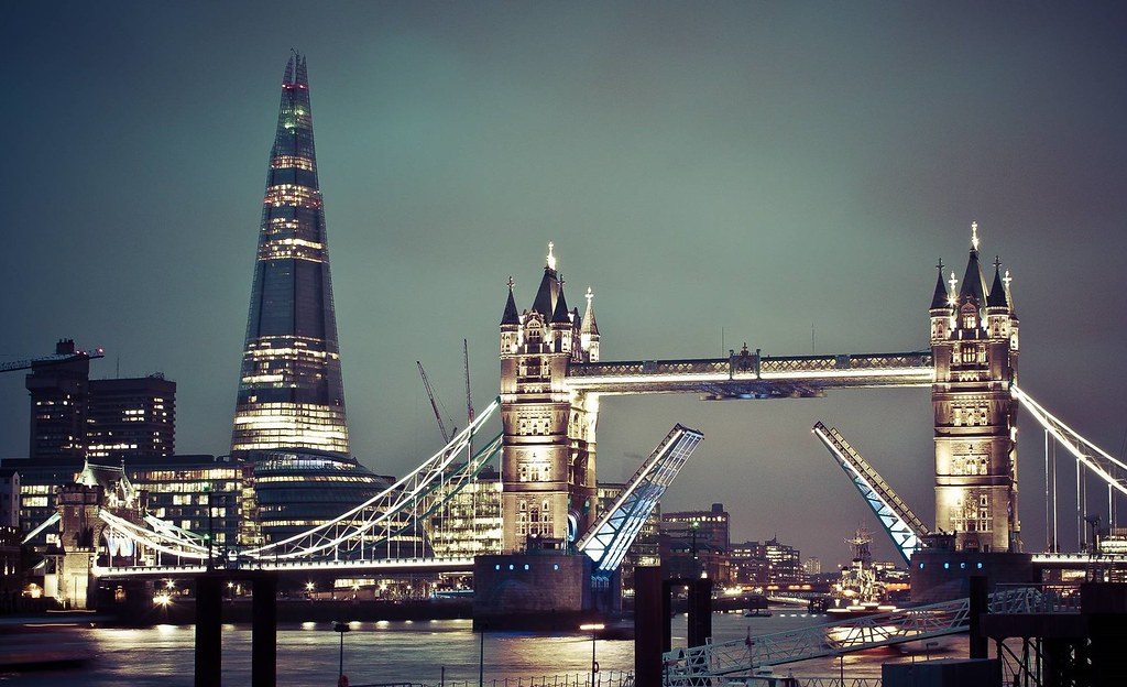 Skyscraper Wallpaper Hd London Tower Bridge Amp The Shard Tower Bridge Built 1886