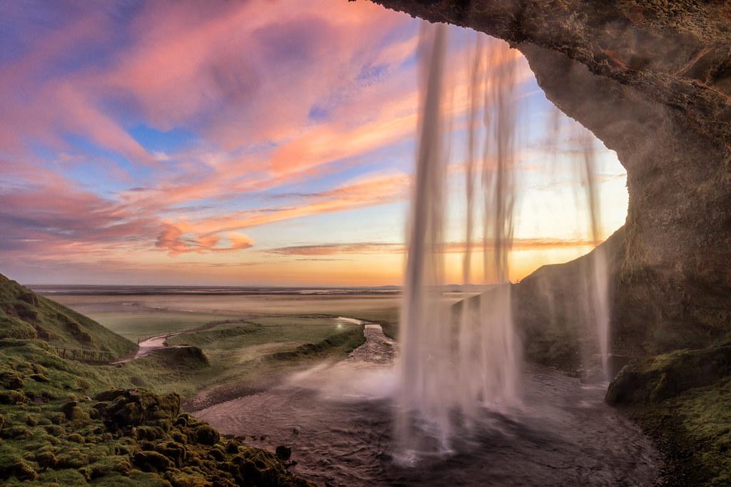 Majestic Fall Wallpaper Seljalandsfoss The Classic Sunrise Shot At This Popular