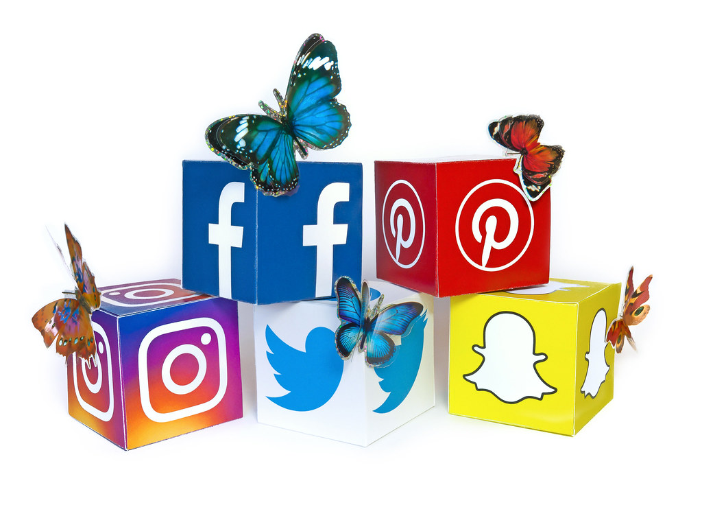 Design Wallpaper 3d Social Media Butterflies All Content Posted In The
