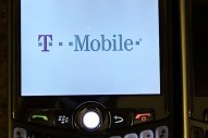 T-Mobile BlackBerry Curve 8320 Unboxing - Image 29 of 31