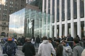 iPad 2 Launch – Fifth Avenue Apple Store - Image 16 of 40