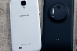 Galaxy S4 Lumia 1020 Sales