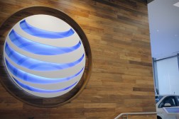 FCC Spectrum Auction AT&T