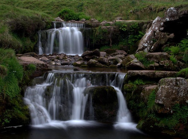 Falling Into Water Wallpaper Water Fall Ing Wales Waterfall I M Into
