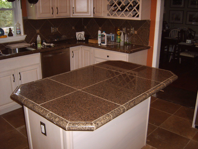 Desain Dapur Cafe Kitchen Remodel With Granite Tile Countertops And Traverti
