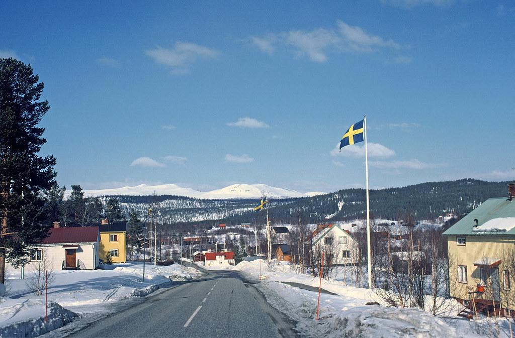 Free Landscape Wallpaper Hd Road To Funasdalen Sweden Driving Into Funasdalen