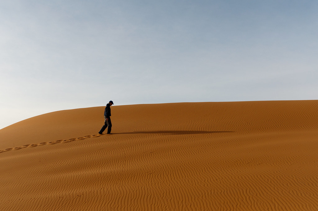 Lonely Girl Hd Wallpapers For Mobile Desert Walk Due To Illness I Wasn T Feeling Like Riding