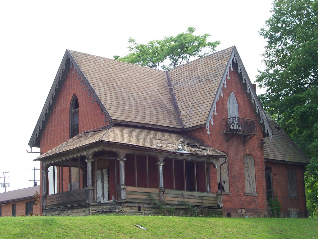 Carpenter Gothic Farmhouse Oh Mansfield House Boarded Up Carpenter Gothic House