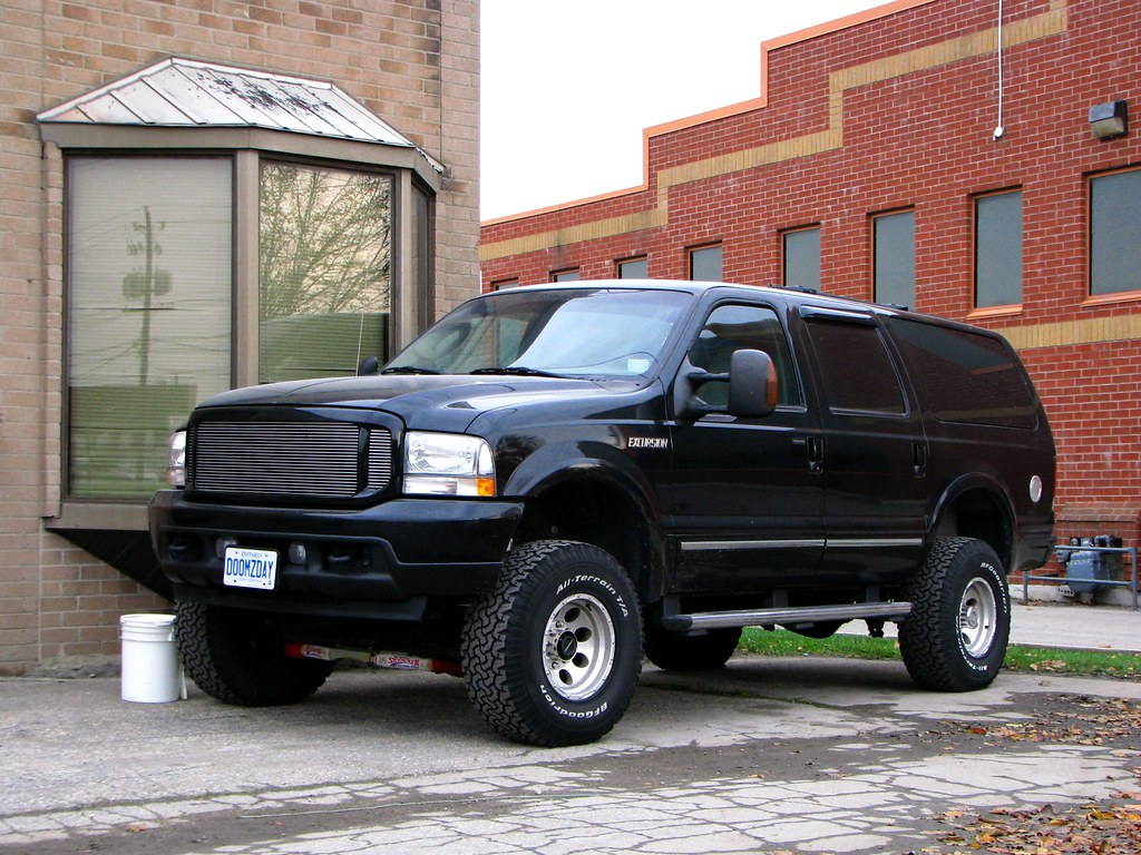 Custom Wallpaper 3d Lifted Ford Excursion One Of The Last Shots Taken With